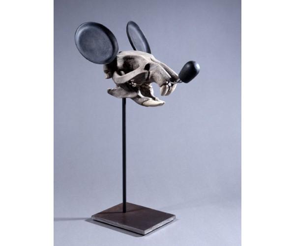 *série « Mickey is also a rat » (crâne), 2005, œuvre originale, Résine polyuréthane, résine polyester, acier, 44x24x23cm Nicolas Rubinstein - Vente d'Art